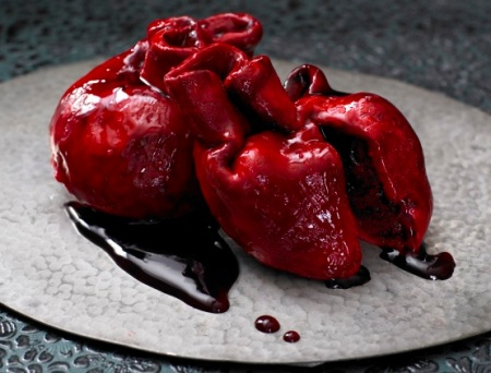 Lily Vanilli Bleeding Heart cakes