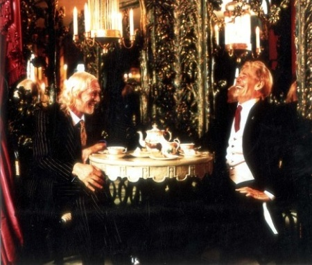 Richard Harris and Peter O'Toole taking tea
