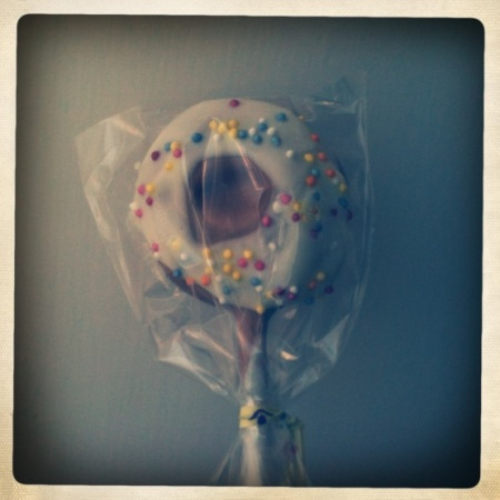 Molly Bakes doughnut cake pop