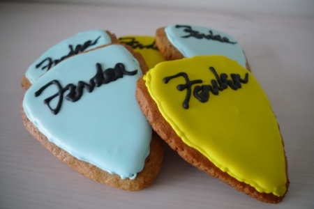 Plectrum biscuits