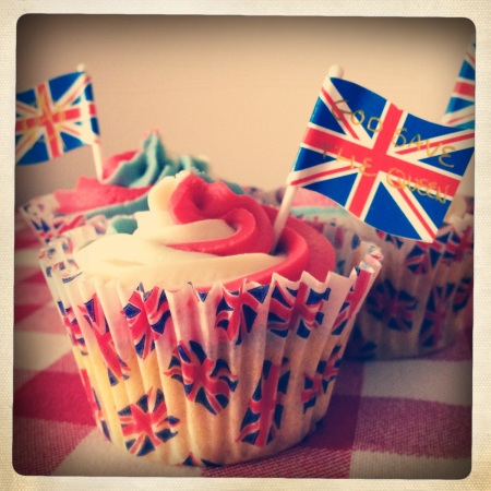 Elizabeth Sponge cupcakes for the Diamond Jubilee